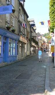 honfleur narrow street