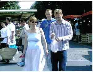 Fontenay de comte main street market picture