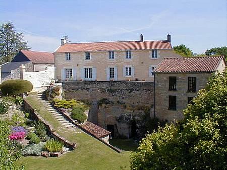 Rochemenier a house in the troglodytiques village