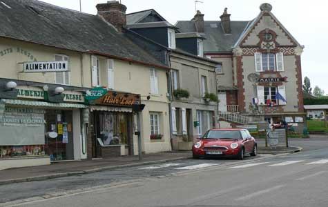Le Breuil en Auge street Normandy