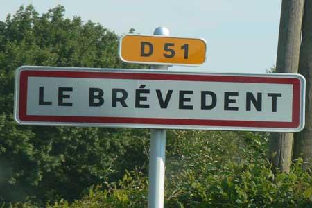 Le Brevedent sign