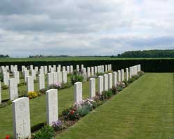 Longueval road graves picture