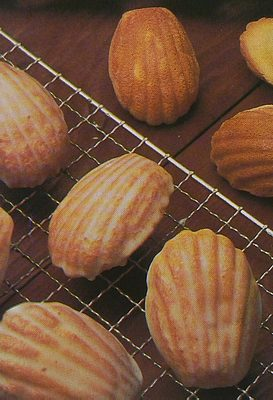Madeleine cakes picture