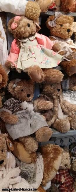 Teddy bear shop Boulogne Xmas Market