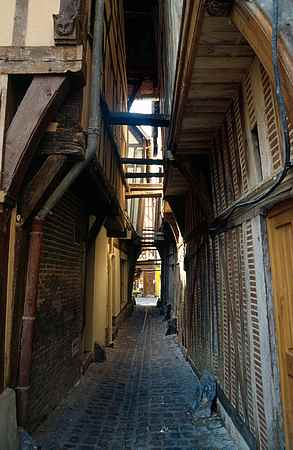 Troyes old street